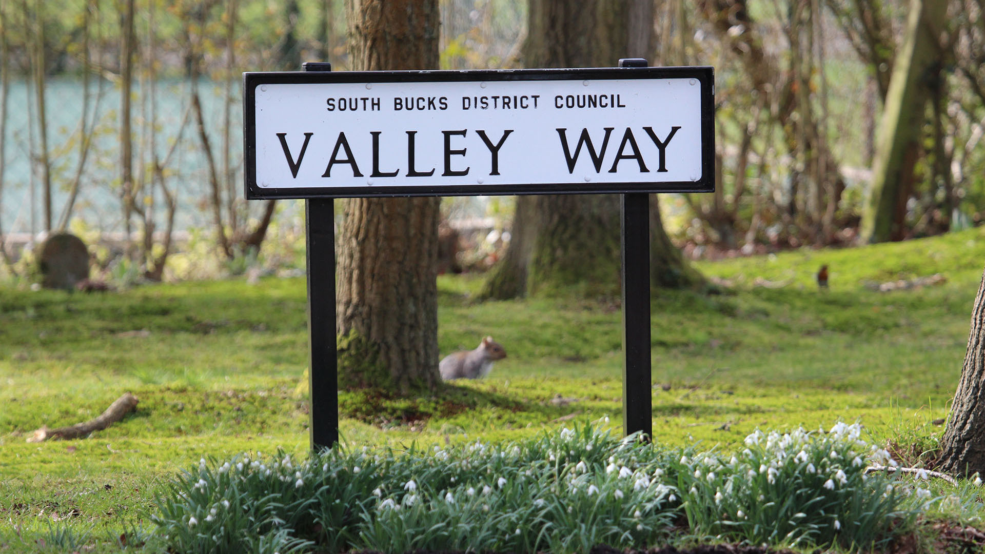 Valley Way sign